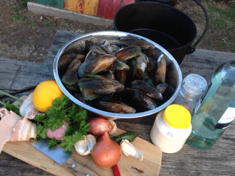Creamy Garlic and Chilli Mussels